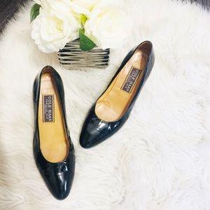 Cole Haan Black patent leather low heel shoe